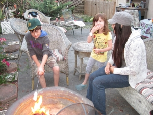 Vacation Flashback: S'mores with Aunt Tricia